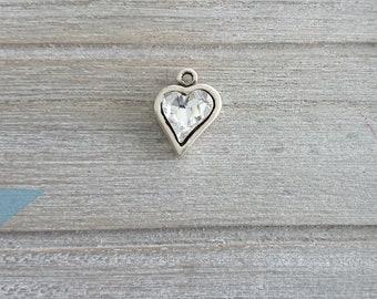 1 Heart pendant with swarovski crystal. 22x15mm High quality silver zamak metal.
