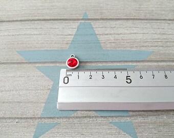 1 Round pendant with red swarovski. High quality silver zamak metal. 14x11mm