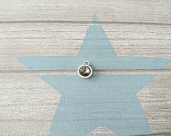 1 Round pendant with gray swarovski. High quality silver zamak metal. 14x11mm