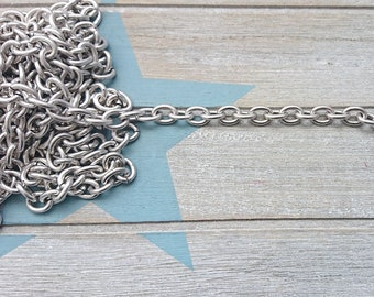 Chain oval link 10x8mm. It is sold in 50cms. antique silver