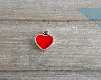 Heart pendant. Swarovski crystal red. 19x17mm metal zamak silver.
