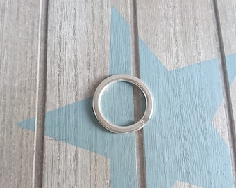 Ring for keychain 30mm.  4  units. zamak with silver
