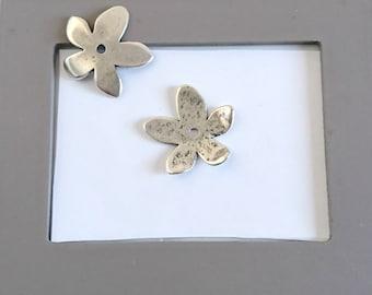 Small Flower Ornament 30mm