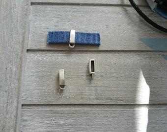 Flat pin with hanging ring. Zamak. 2 pieces