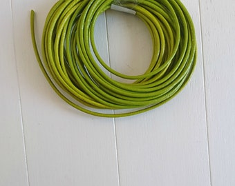 Round leather Pistachio green. 2mm leather for jewelry. European leather.