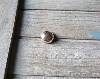 1 Close up magnet soccer ball. 10x2mm interior silver  zamak