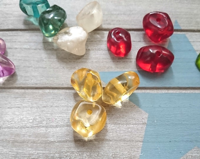 1 Irregular bead resin 3mm.de interior. Available in various colors
