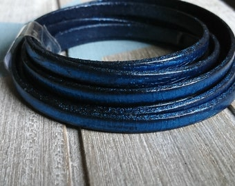 Metallic dark blue leather. 5x2mm amount 1 meter. European leather of high quality.