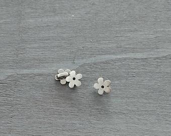 5mm pin piece. Flower. 2 pieces. Exterior 12 mm. Zamak Silver. Diy.