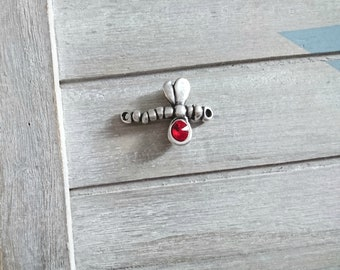 Red Swarovski Dragonfly Connector and Zamak silver plated.  Dimensions: 29x38mm
