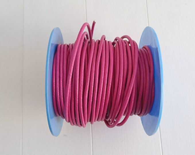 Pink round leather raspberry. of 2mm.