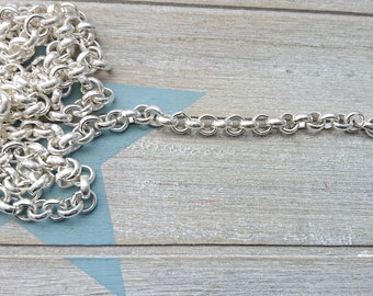 Rolo chain 10mm. Silver bath. It is sold in 50cms.