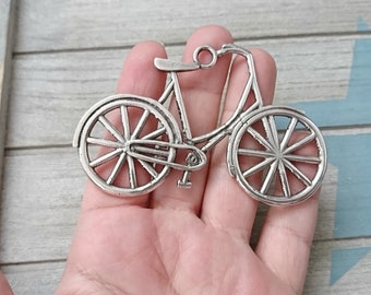1 Bicycle XL Pendant. Measure 80x55mm. high quality metal zamak in silver
