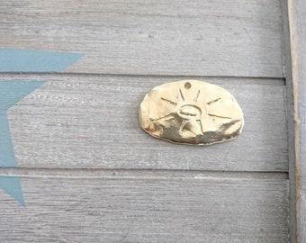 1 irregular Mayan sun pendant. 50x32mm Golden flash zamak metal. for DIY jewelery.