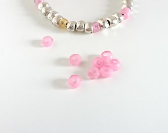 Irregular beads. 7mm. pink resin. 5 units. Pass 2.5 mm. Beads for bracelets and pendants.