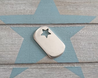 Star pendant for keychain in white to stamp in metal. Measure 38x23mm. bag of 3 units.