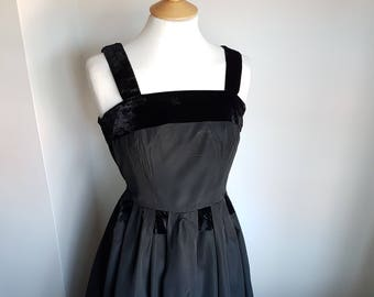 50s Vintage Evening Dress with Black Velvet Trim SMALL 34""
