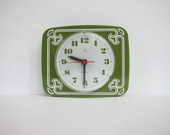 Vintage Kitchen / Wall Quartz Clock Meister Anker in Green and White Plastic