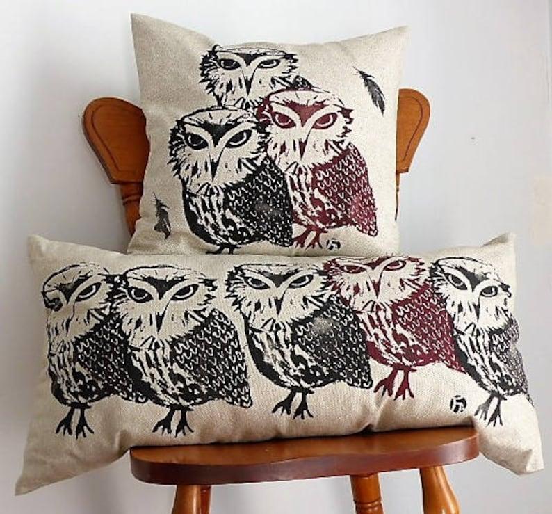 Housse de coussin Hiboux en lin  Linen Owl Cushion s\u00e9rigraphi\u00e9 \u00e0 la main hand made