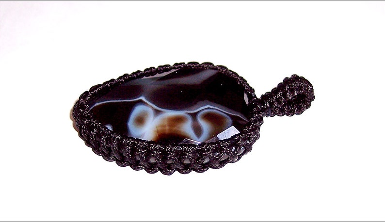 Natural Faceted Banded Agate Macrame Pendant E408