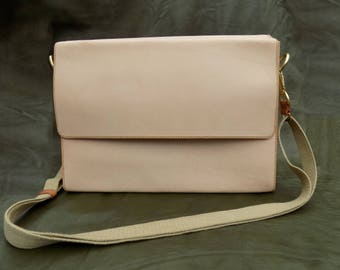 Minimalist Leather Messenger Bag (Handstitched)