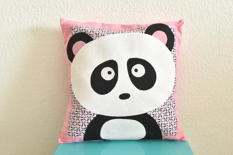 SALE Super leuk panda en katten kussen  Lekker hippe en image 0