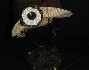 Hat form Tulip brown corduroy winter.