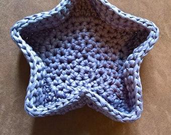 basket pattern large flower or star