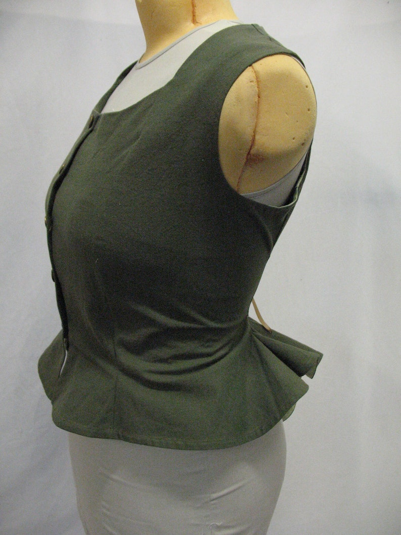 Herbalist Vest in Olive Green Recycled Cotton