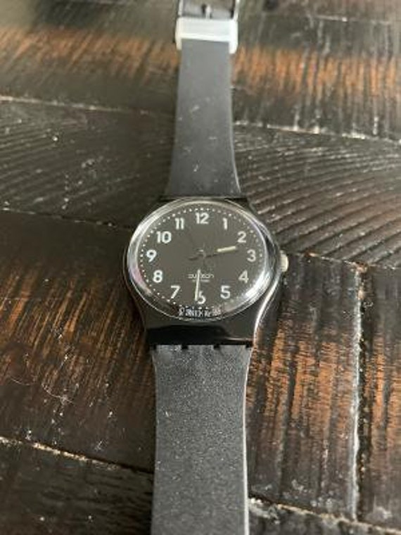 solid black swatch