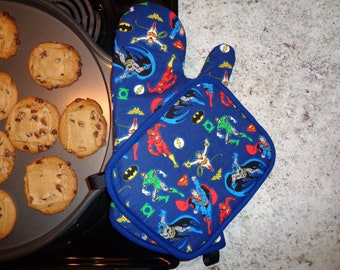 Oven Mitt and Pot Holder Set - Justice League Superheroes
