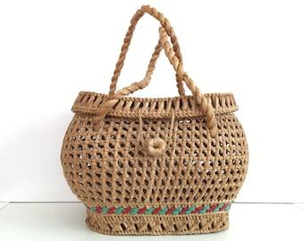 Vintage straw basket with lid - Straw Bag - straw basket - Summer carrycot bag - beach bag - wicker bag - market bag - woven straw bag