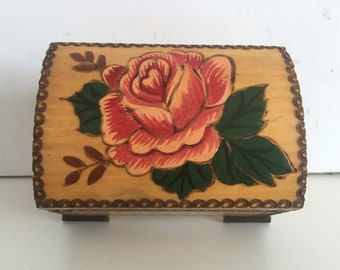 NEVER USED - Pyrography small box - Vintage wooden box - Vintage handmade wooden box - Jewelry box - Vintage box - Memory Box - Retro box