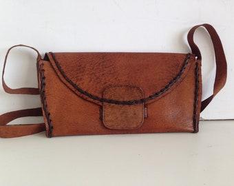 ebc4966804 Vintage en cuir véritable sac - sac en cuir rétro - vieux sac en cuir des  années 70 - marron en cuir - vieux sac en cuir véritable - sac à bandoulière