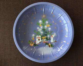 Mini Christmas Plate Set of 7 Retro Tin Metal Red Plates Vintage Holiday Serving Christmas Tree Decor Presents Decorative Plate Xmas Gift
