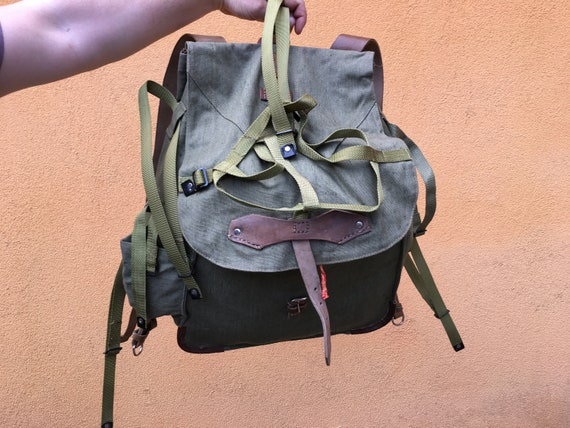 NEVER USED - Vintage Distressed canvas backpack -