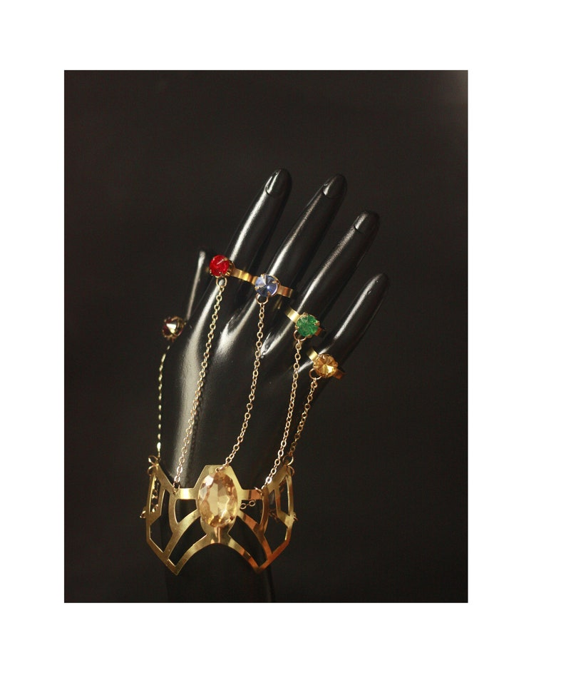 Infinity Gauntlet Thanos Avengers Infinity War Bracelet  7d0f1d290fc9