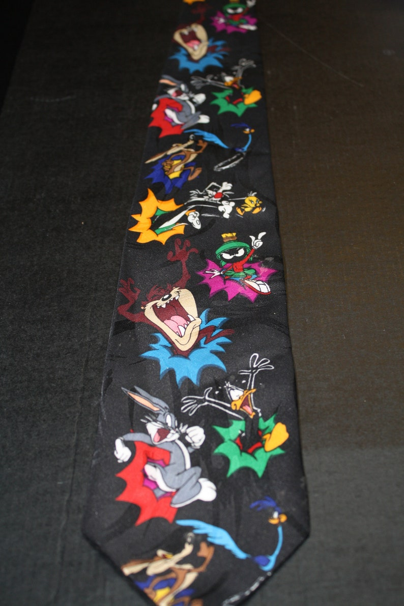 Looney Tunes Characters Neck Tie