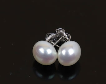 10mm Button Freshwater Pearl