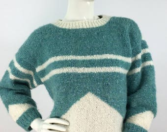 Vintage 1970s turquoise and cream pullover sweater