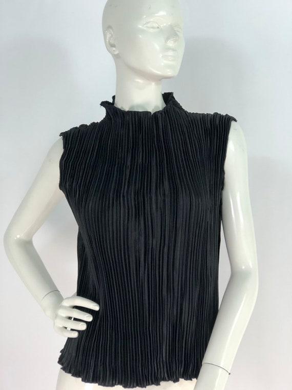 mock turtleneck/80s turtleneck /sleeveless blouse