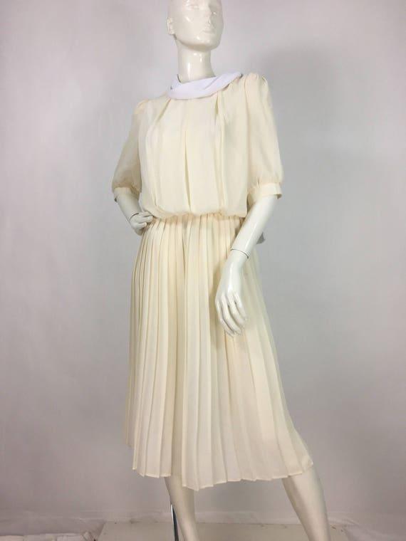 1940s cream midi dress/off white pleated midi dres