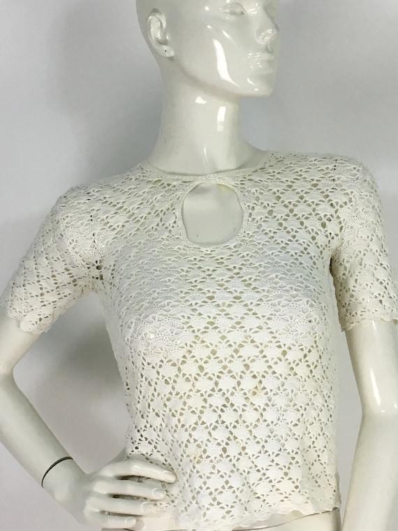 Vintage crochet top/crochet keyhole top/crochet bu