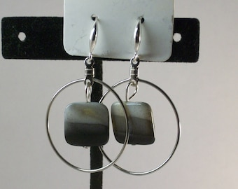 Mother of pearl in circle frame Earrings