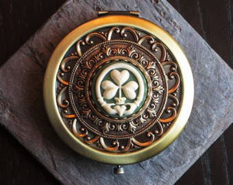Irish clover compact mirror, claddagh mirror, green cameo, antique brass compact, bridesmaid gift, holiday gift ideas, unique Christmas gift
