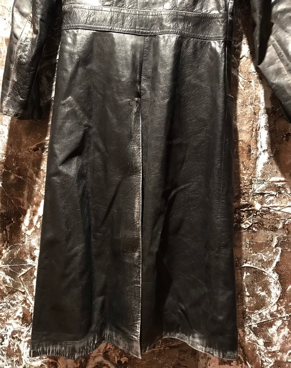 Beautiful distressed leather 70's trench coat/jac… - image 7