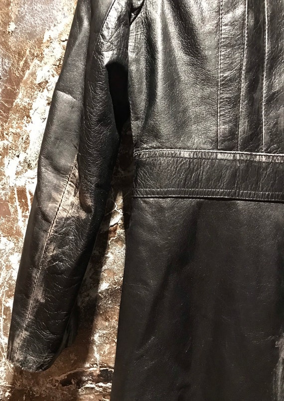 Beautiful distressed leather 70's trench coat/jac… - image 6