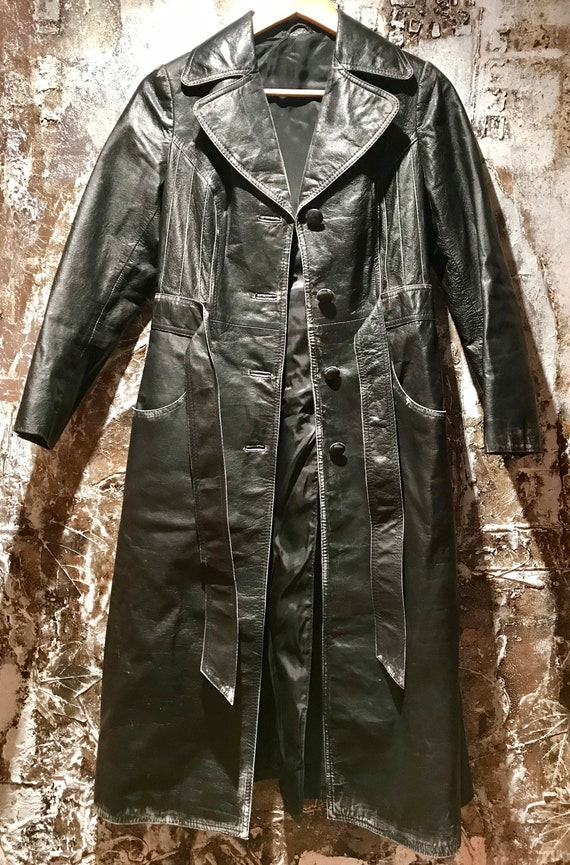 Beautiful distressed leather 70's trench coat/jac… - image 4