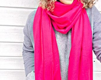 CACHOU Echarpe longue à granges franges en laine vierge 100% cachemire,  70 200 cm 18d1ab6786b