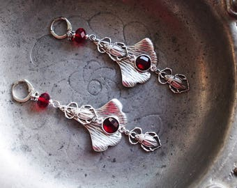 """Earrings """"Salomé"""" - Garnet, beetles and ginkgo leaf"""